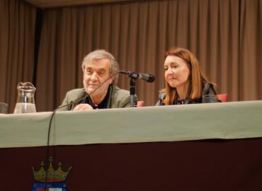 ESCRIBE TU RELATO DEL MES DE JULIO (V): Ana Monzón,  @anamonzon86 escritora y profesora IES Severo Ochoa de Alcobendas @IESSevero_ochoa